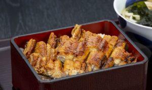【北浜駅2分】手打ちそばを名物に、こだわりの和食を堪能